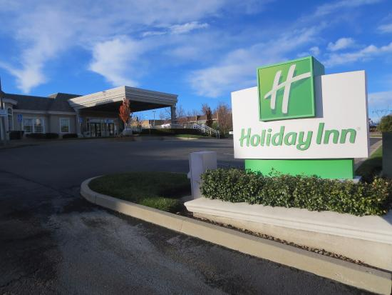 Holiday Inn Hotel and Convention Center: exterior