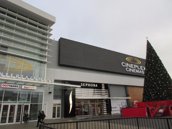 ‪Cineplex Cinemas Abbotsford & VIP‬