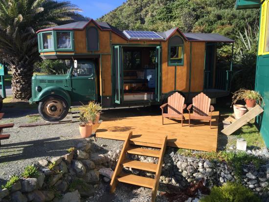 Punakaiki Beach Hostel : House Truck