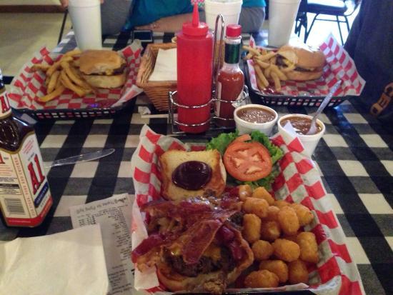 Biff Buzby's Burgers: photo0.jpg