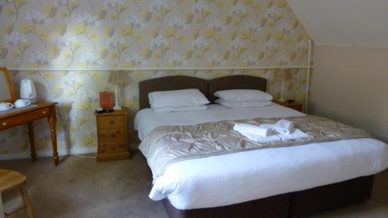 Minster, UK: bedroom - the abbey room