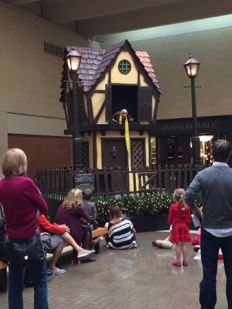 NorthPark Center: House of Scrooge!