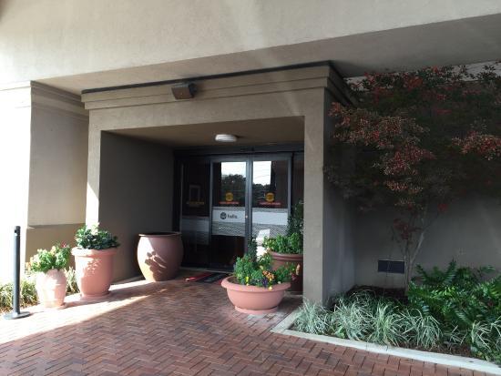 Hampton Inn Mobile I-10/Bellingrath Gardens: Entrance