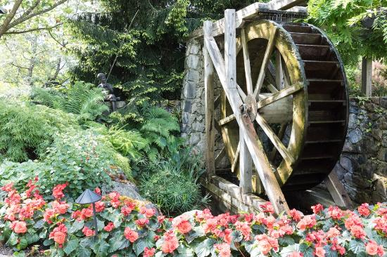 The Butchart Gardens: Water Wheel