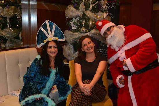 Fraser Suites Doha: My friend with Santa