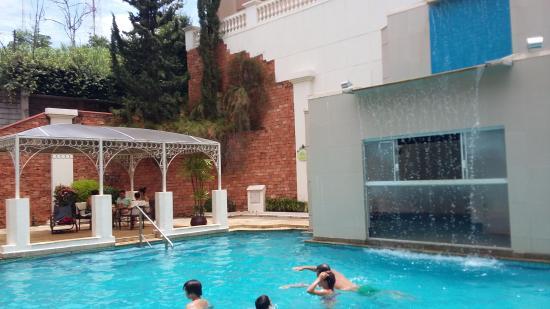 piscina hotel foto de hotel giardino su tes rio quente
