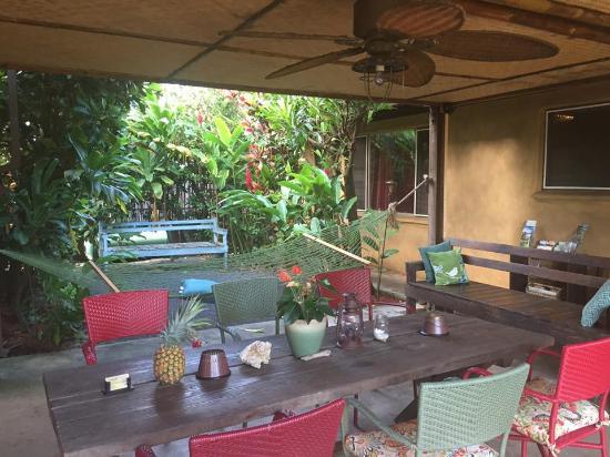 Nalu Kai Lodge: Sitting area and free wifi