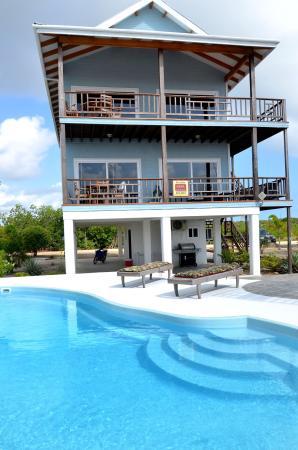Robert's Grove Beach Resort: Marina Villa with Pool