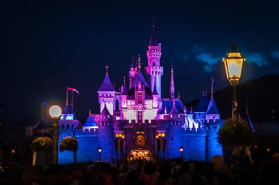 Disney castle at night picture of hong kong disneyland - Hong kong disneyland hd wallpaper ...