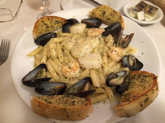 Edgewood, MD: Seafood Nicole
