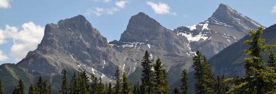 Mountain View Inn: Three Sisters - Spring