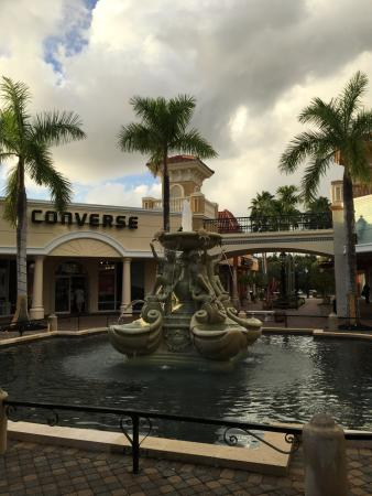 Miromar Outlets Photo