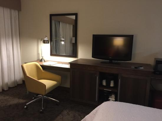 Hampton Inn Detroit Belleville: photo1.jpg