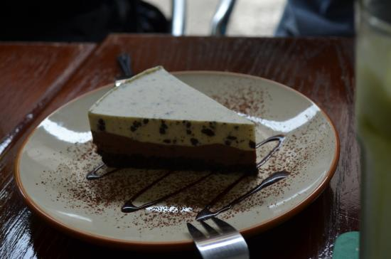 Alley No.5 Cafe: Oreo Cheeseckae of the day