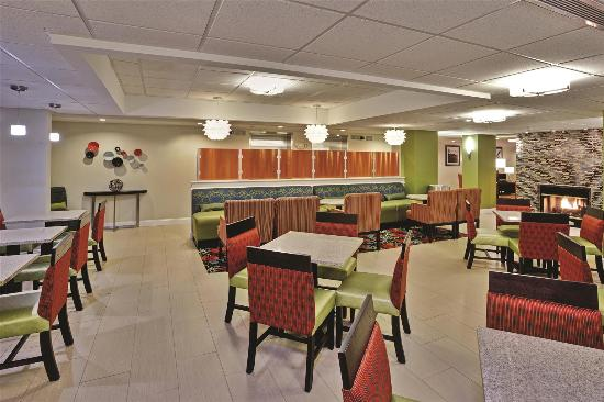 restaurant picture of la quinta inn suites. Black Bedroom Furniture Sets. Home Design Ideas