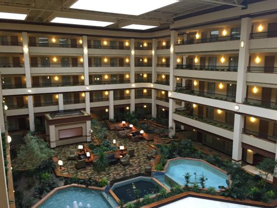 Embassy Suites by Hilton Lexington : Pic from Indoor on 5th floor