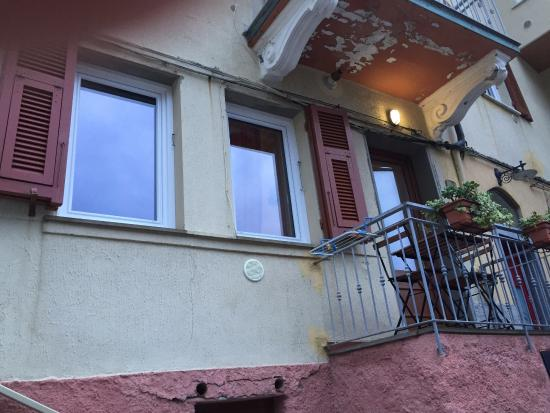 Da Paulin Rooms and apartments : Looking up to the front door to the apartment