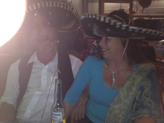 Dos Senoritas: More Tequila please!