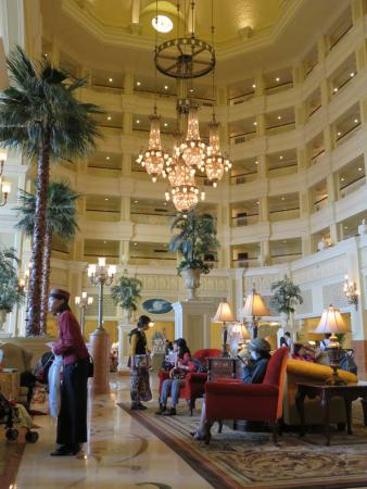 東京ディズニーランドホテル, フロント