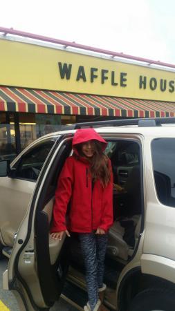 Scottsburg, IN: Waffle House