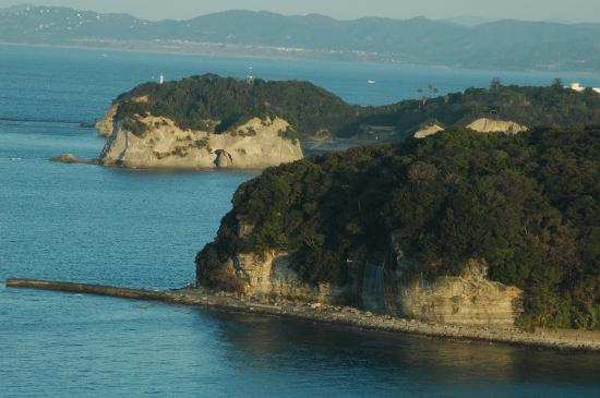 Resort Hotel Laforet Nankishirahama: 円月島