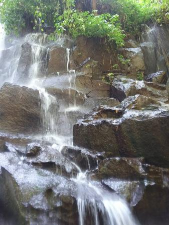 Kanto Lampo Waterfall