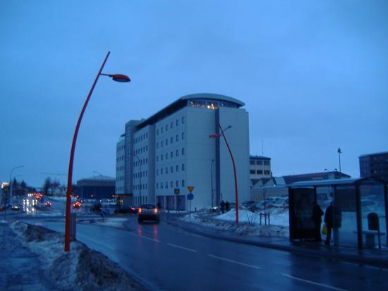 Hotel Cabin: The Hotel from the Street