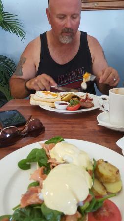 Moby Dicks Breakfast Bar : 20151231_105458_large.jpg