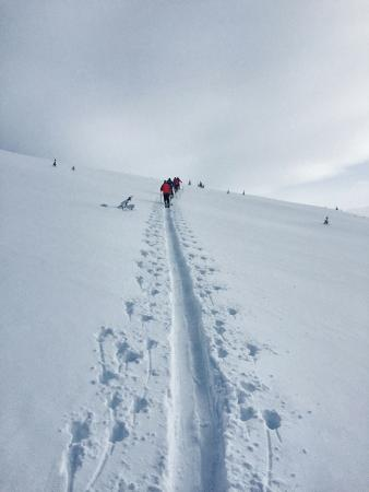 Purcell Mountain Lodge: Skiing up Mt Ptarmagin