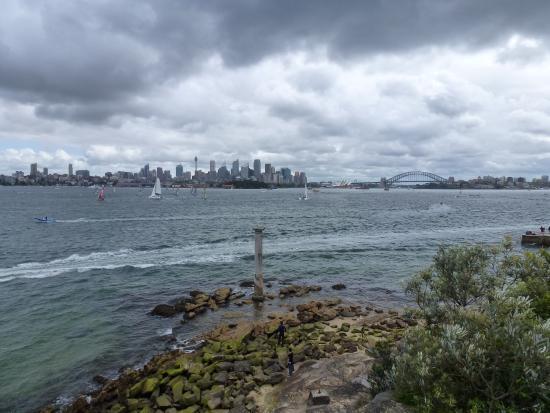 Bradleys Head Trail: Sydney CDB from Bradleys head
