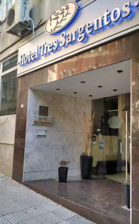 Hotel Tres Sargentos: Frente