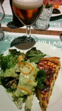 Deols, Francja: Porc sauce moutarde, croque monsieur et quiche du menu
