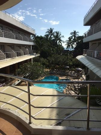 Samui First House Resort: Vi kan skimte havet, det var nydelig.