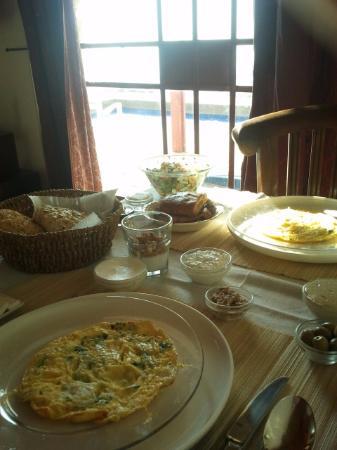 Amirim, Israel: Delicious and healthy breakfast