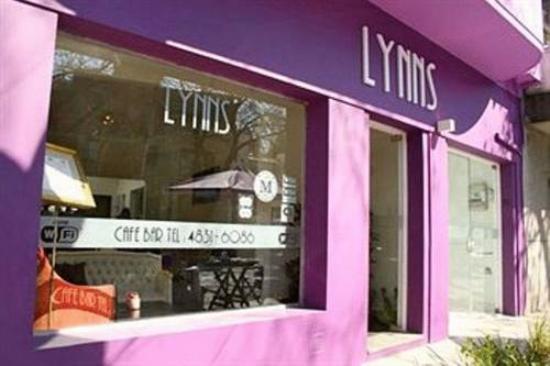 Lynns Hotel Boutique: Frente