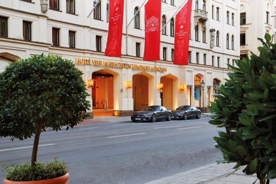 Photo of Hotel Hotel Vier Jahreszeiten Kempinski Munchen at Maximilianstrasse 17, Munich 80539, Germany