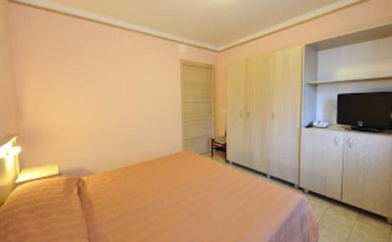 Hotel delle Rose : camera giardino/garden room