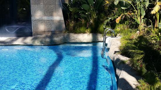 Rixos Premium Belek.Spa kapalı havuz uzantısı dış havuz