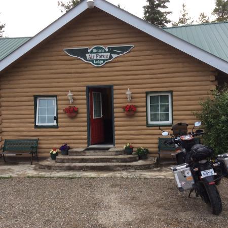Air Force Lodge: The Inn