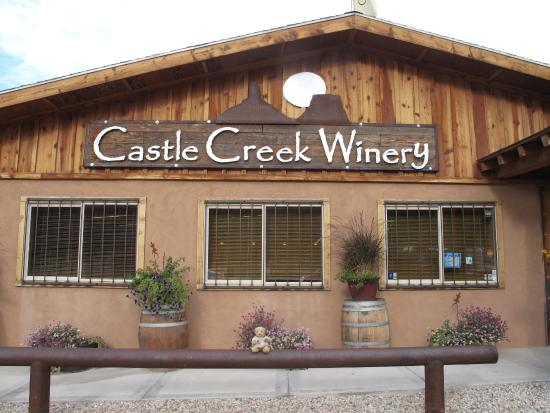 Red Cliffs Lodge: The winery