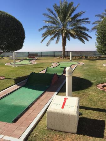 Mercure Grand Jebel Hafeet Al Ain: Mini Golf