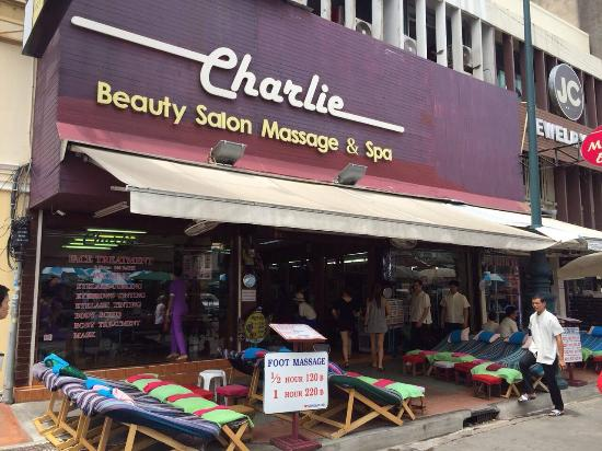 ‪Charlie Massage and Beauty Salon‬