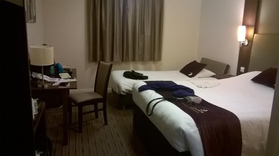 Family room picture of premier inn bath city centre for Hotels with family rooms for 5