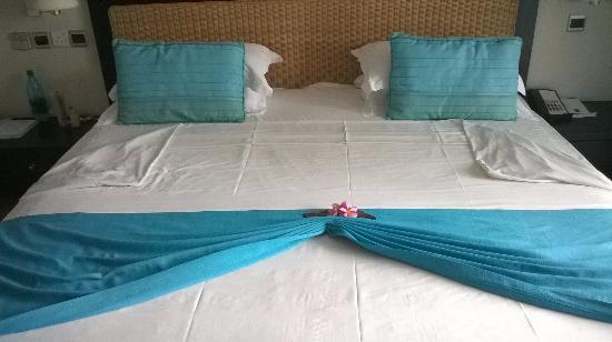 Pearle Beach Resort & Spa: Preparazione del letto
