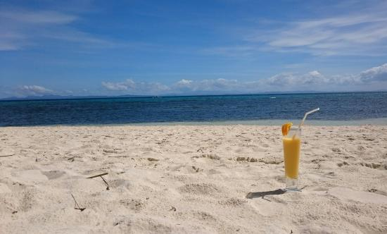 MG Matterhorn : 4 minutes walk from our Malapascua Budget Inn. You can stay at the beach front just order drinks