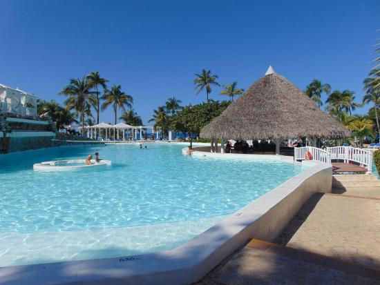 La piscine picture of melia varadero varadero tripadvisor for Piscine varadero