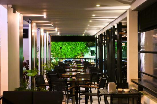 Nouvelle Grill & Restaurant