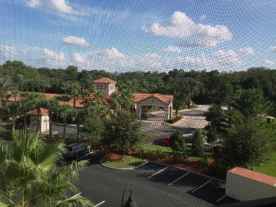 Tuscana Resort Orlando by Aston: View from apartment (through the lanai on the balcony)