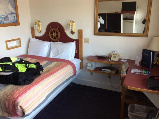 Land's End Resort: Hotel room