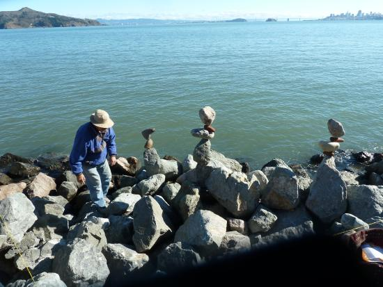 Bill Dan Balancing Rocks : wie macht der das wohl?